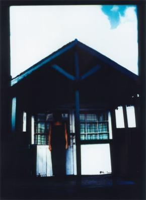 hut-black-dress